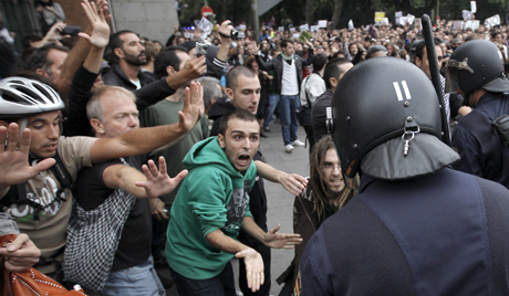 Thousands of Spaniards protest austerity policies
