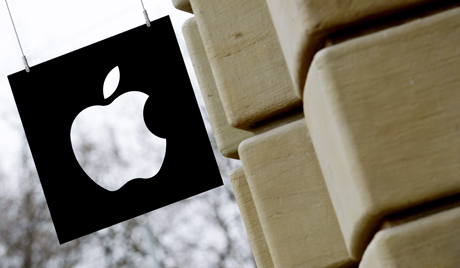US government sues Apple and book publishers over price fixing