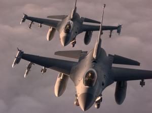 F-16C Inline Formation1024