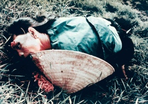 Dead_woman_from_the_My_Lai_massacre