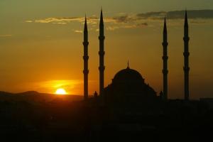 280871_chechnya_zakat_nebo_mechet_2464x1648_(www.csgame.su)