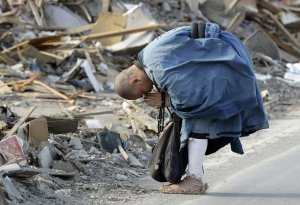 japan-earthquake-prayer-2a40912f92b25fba