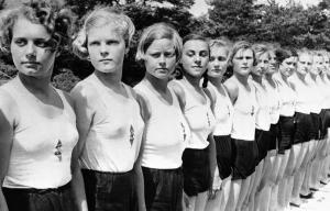 Nazi-Girls-No-Bras