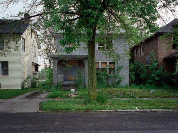 1300978285_detroit_homes_01