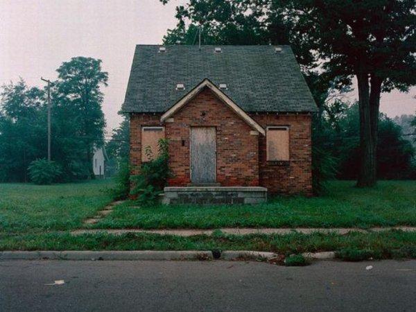 1300978305_detroit_homes_05