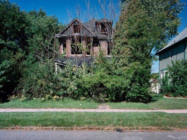 1300978316_detroit_homes_10