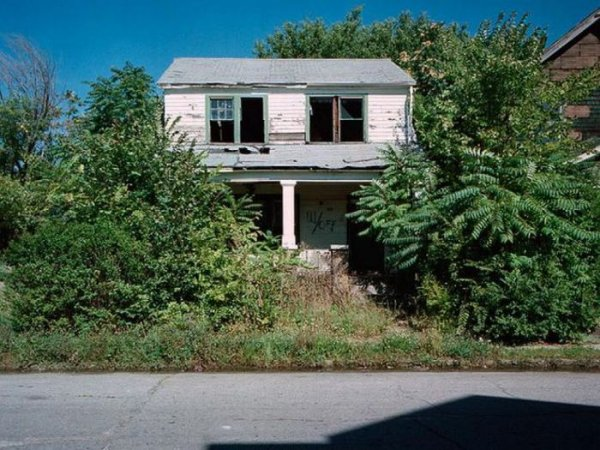 1300978339_detroit_homes_15