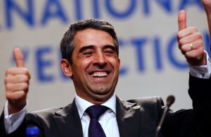 Presidential candidate of Bulgaria's centre-right ruling GERB party Plevneliev flashes thumbs-up before the start of his news conference in Sofia