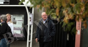 Бившият американски посланик Джеймс Пардю в окупирания Софийски университет 1