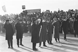 """Âñòðå÷à ýêèïàæåé êîñìè÷åñêèõ êîðàáëåé """"Ñîþç-4"""" è """"Ñîþç-5"""", 1969 ãîä"""