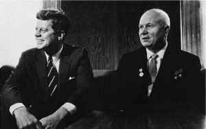 Фидел Хрушчов Кенеди John_F._Kennedy,_Nikita_Khruchchev_1961