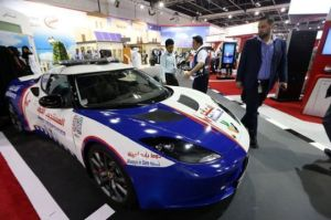 new_ambulances_in_dubai_are_some_of_the_top_luxury_cars_640_07