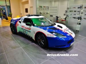 new_ambulances_in_dubai_are_some_of_the_top_luxury_cars_640_11