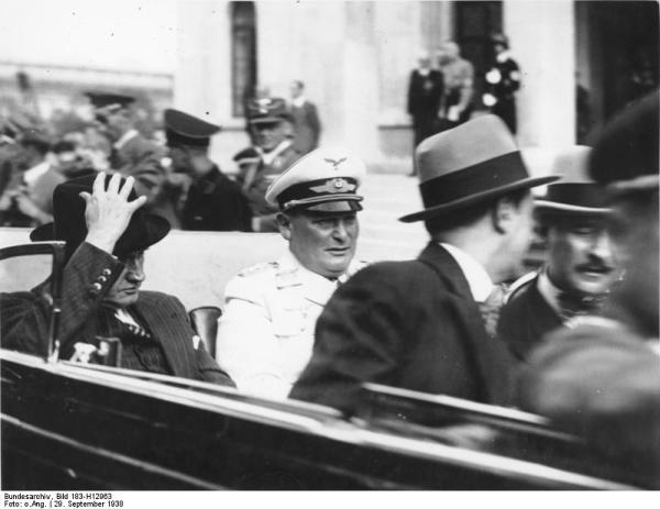 Münchener Abkommen, Daladier (l.) und Göring (r.)