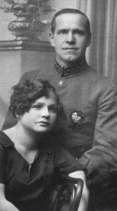Г.К._Жуков_с_женой_Александрой_Диевной._1920-е_годы