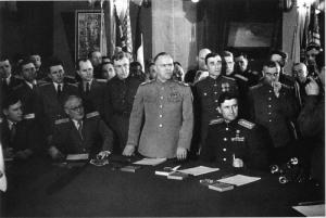 Жуков приема капитулацията на Германия_XXL