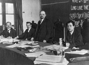 Ленин и Платен_i_congress_comintern_presidium