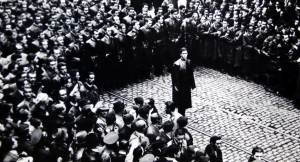 """Кодреану държи реч пред легионери от """"Желязната гвардия"""""""