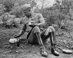 Генерал Айзенхауер обядва в Тунис