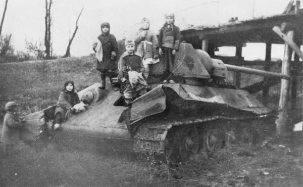 t-34-children