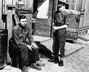 Зверства фашисти Йосиф Крамер Берген Белзен осъден на смърт нацист_orig