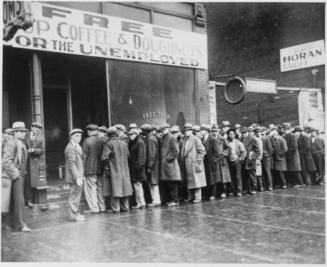 Unemployed_men_queued_outside_a_depression_soup_kitchen_opened_in_Chicago_by_Al_Capone,_02-1931_-_NARA_-_541927_0