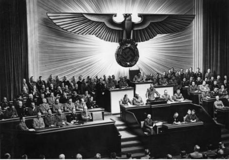 Berlin,_Reichstagssitzung,_Rede_Adolf_Hitler
