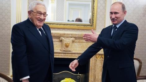 Киниджър Путин 77B