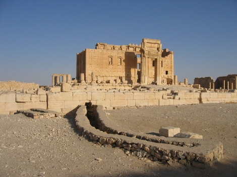Палмира Temple_of_Bel_Ruins_of_inner_Temple_from_the_West